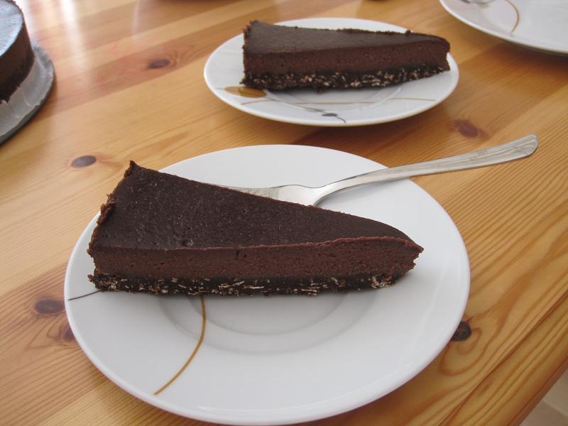 Čokoladno-rožičeva torta