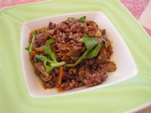 Trije riži z gobicami in blitvo